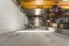 Usamos dos rampas de carga y descarga de camiones facilitando el trabajo y reduciendo el tiempo y costes